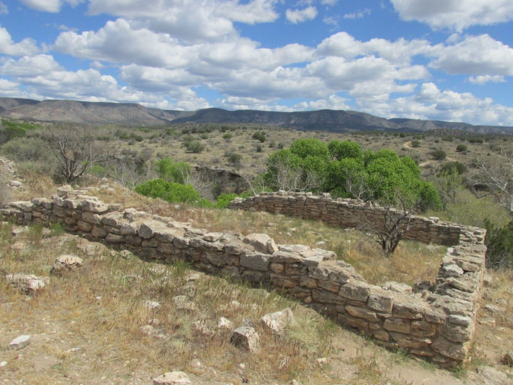 Montezuma well pueblo on top