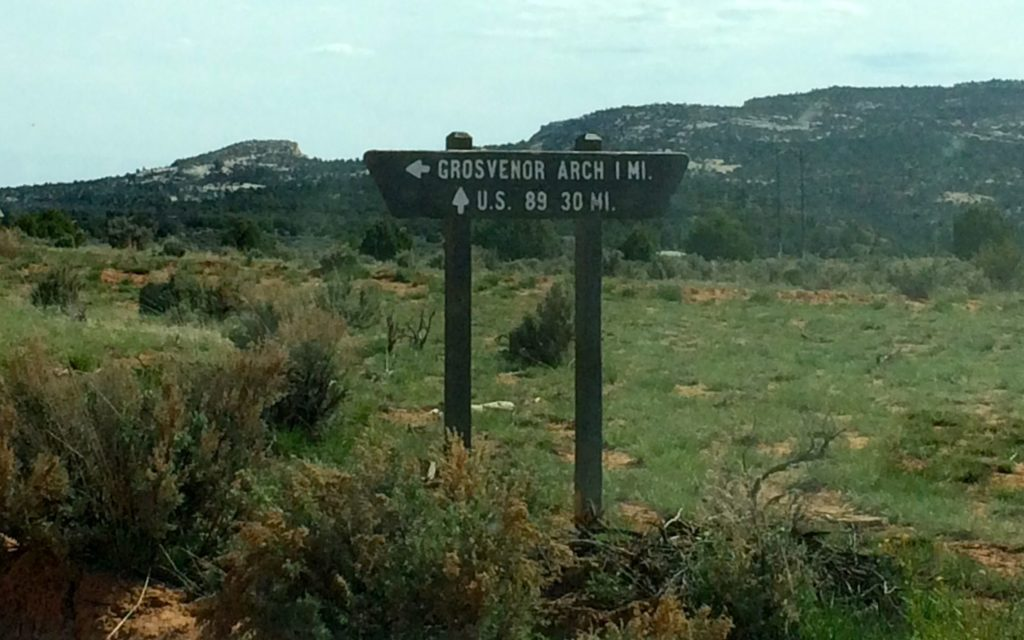 Direction to Grosvener Arch and Rte 89