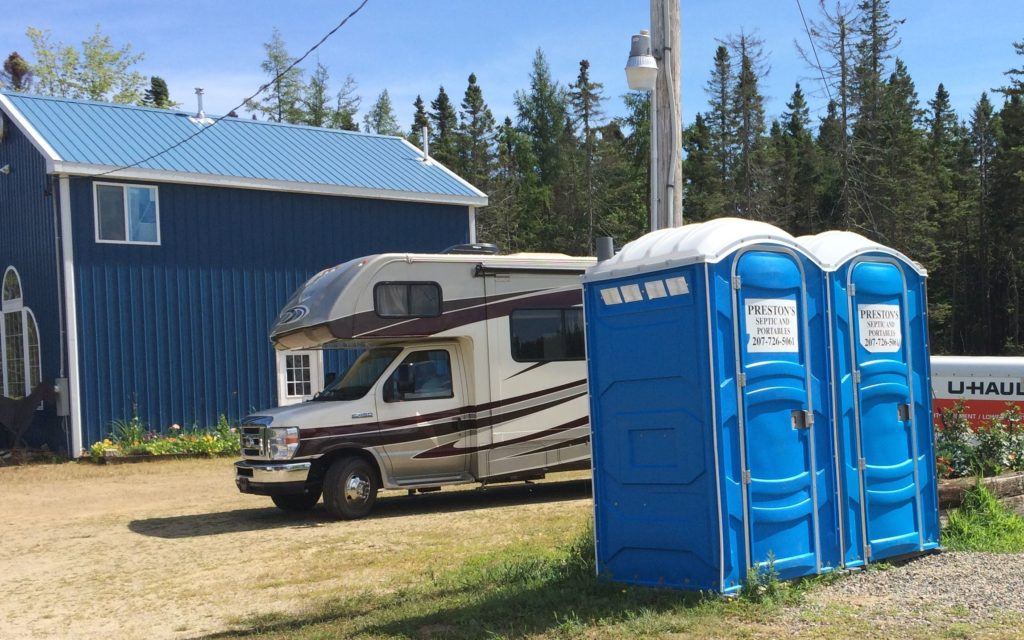blue-porta-potties